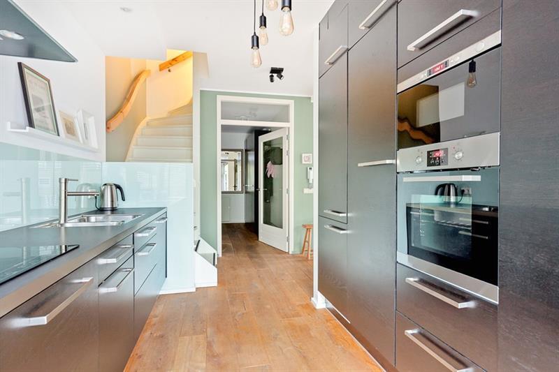Appartement aan Bas Jungeriusstraat in Rotterdam