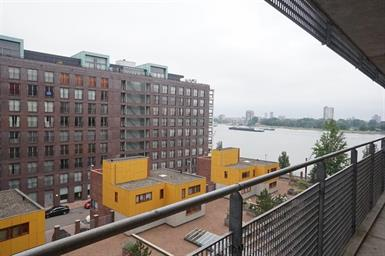 Kamer in Rotterdam, Jan Pettersonstraat op Kamernet.nl: Modern 3-kamer appartement met waanzinnig uitzicht