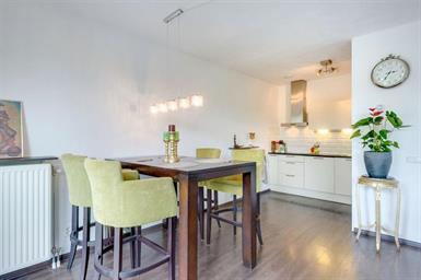 Kamer in Amsterdam, Julius Pergerstraat op Kamernet.nl: Ruim 3-kamer appartement