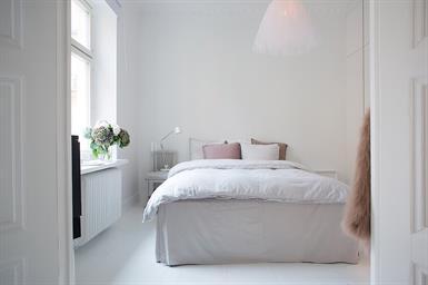 Kamer in Amstelveen, Brink op Kamernet.nl: Ruime lichte kamer gemeubileerd