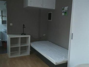 Kamer in Oudergem, Vorstlaan op Kamernet.nl: Studentenkamer ingericht in colocatie