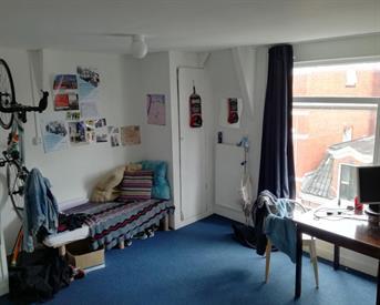 Kamer in Groningen, Violenstraat op Kamernet.nl: Ruime kamer naast het Noorderplantsoen1!