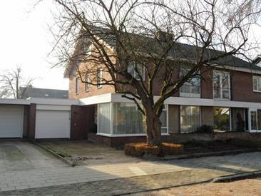 Kamer in Eindhoven, Icaruslaan op Kamernet.nl: Zeer ruime gestoffeerde karakteristieke woning