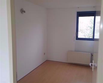 Kamer in Almere, Ecrustraat op Kamernet.nl: Nette kamer in Almere buiten in groot hoekhuis