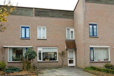 Kamer in Almelo, De Lepelaar op Kamernet.nl: Goed onderhouden tussenwoning met berging