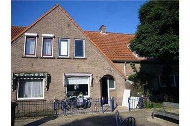 Kamer in Almelo, Gagelstraat op Kamernet.nl: Degelijke tussenwoning