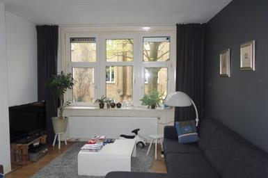 Kamer in Amsterdam, Meerhuizenstraat op Kamernet.nl: Gestoffeerd appartement met 1 slaapkamer op de 1e verdieping