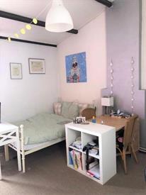 Kamer in Maastricht, Stationsstraat op Kamernet.nl: Leuke gestoffeerde kamer met eigen keukenblok