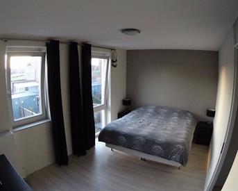 Kamer in Almere, Lokistraat op Kamernet.nl: Ruime kamer met volledige privacy