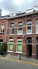 Kamer in Maastricht, Glacisweg op Kamernet.nl: Zolderkamer van ca 10m2 gelegen op een zeer mooie