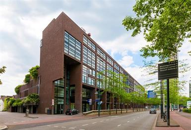Kamer in Eindhoven, Vestdijk op Kamernet.nl: Uniek en prima onderhouden 3- kamerappartement