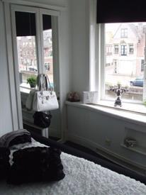 Kamer in Alkmaar, Oudegracht op Kamernet.nl: Zeer mooi licht appartement met grote erker ramen