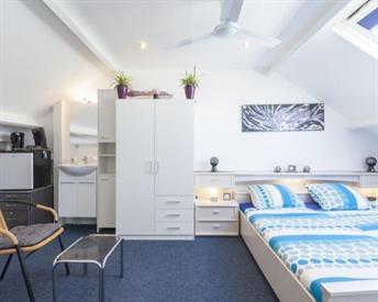 Kamer in Enschede, Hesselinklanden op Kamernet.nl: Ruime heldere 2 persoons kamer 18M2