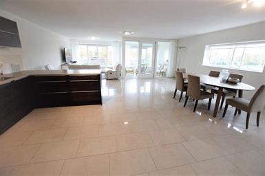 Kamer in Hoofddorp, Haringvliet op Kamernet.nl: Ruim en prachtig gemeubileerd 4 kamer appartement