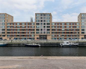 Kamer in Den Haag, Neherkade op Kamernet.nl: Goed onderhouden 4 kamer appartement