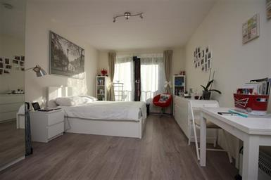 Kamer in Amsterdam, Welnastraat op Kamernet.nl: Een erg mooie en zeer lichte studio van 28m2