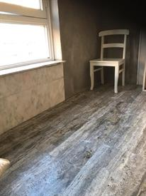 Kamer in Amsterdam, Riouwstraat op Kamernet.nl: Ruime kamer met eigen keuken . Toilet en douche