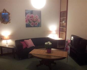 Kamer in Koog aan de Zaan, Hoogstraat op Kamernet.nl: Kamer aangeboden in ruil voor hulp in huis