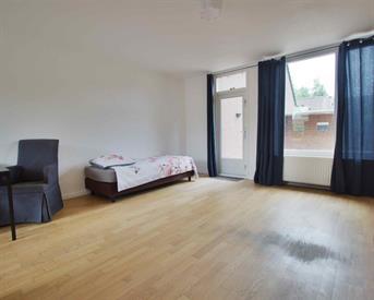 Kamer in Almere, Moergestelstraat op Kamernet.nl: Ground floor renovated apartment with garden