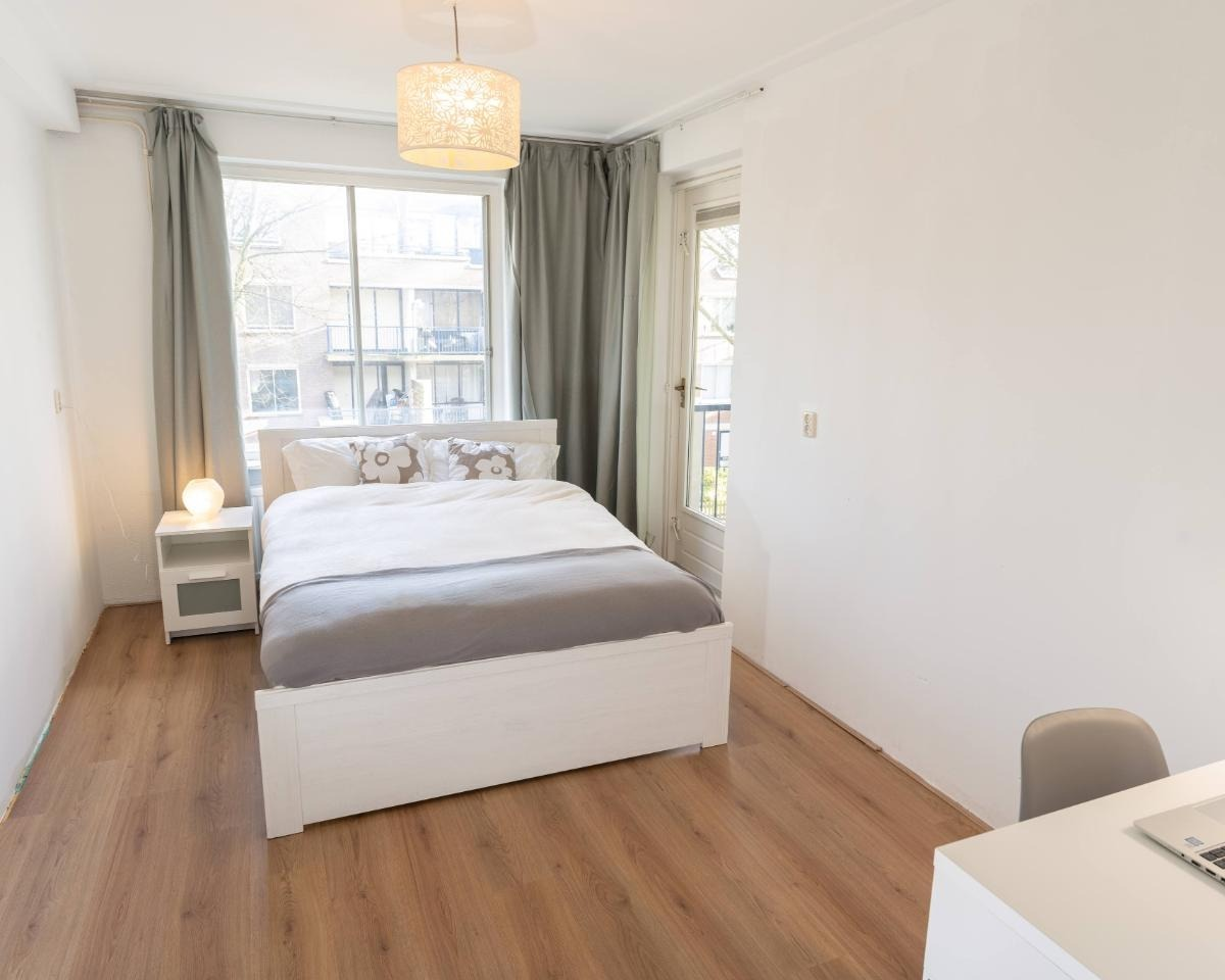 Kamer te huur in de Veldhuizenstraat in Amsterdam